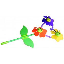 3839. Tuuletiivik kolme lillega