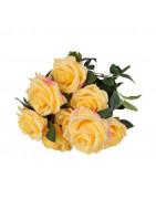 Kunstlilled, vaasid, lillepotid, keraamilised kujud.